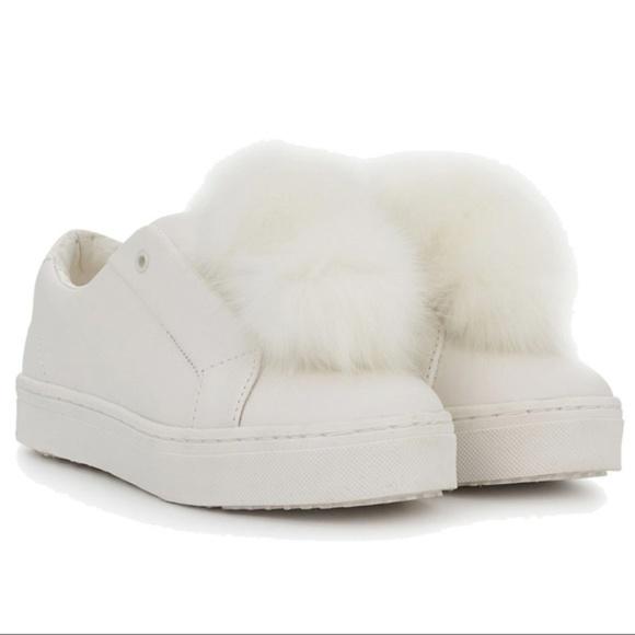 fef615e2e4c1 NWT SAM EDELMAN Leya white Pom Pom sneaker
